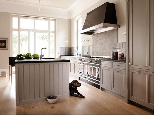 Houzz-farmhouse-kitchen-shaker-cabinets_083332