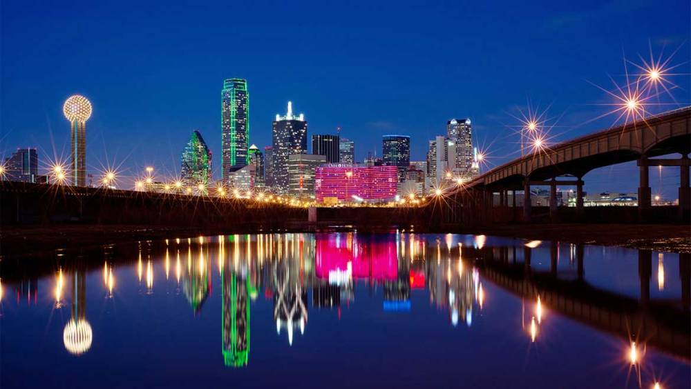 daldtn-omni-dallas-hotel-skyline-night